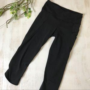 Lululemon Black Mid Rise Cropped Tight Size 2